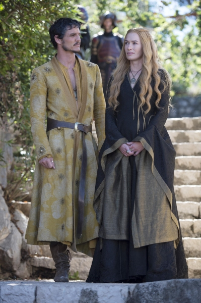 Photos & Sneak Peek Clip from Next GAME OF THRONES!